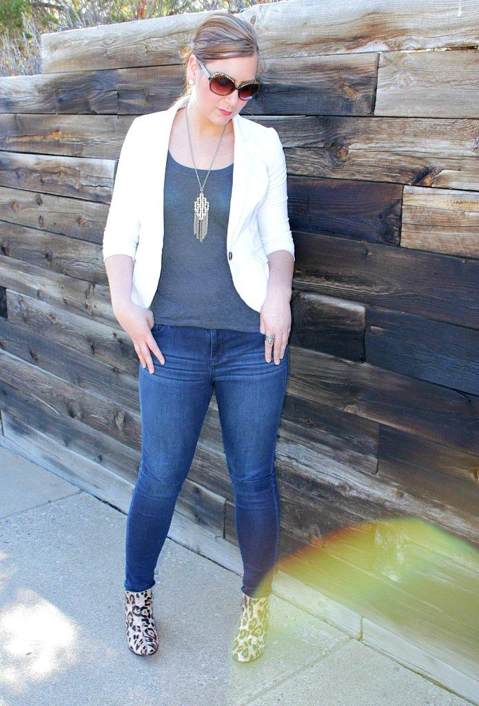 blazer-and-jeans-695x1024