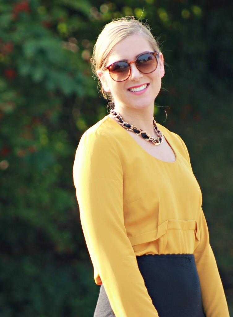 Mustard Blouse, Round Sunglasses, Chain Link Necklace, Chain Necklace, How to wear mustard for fall