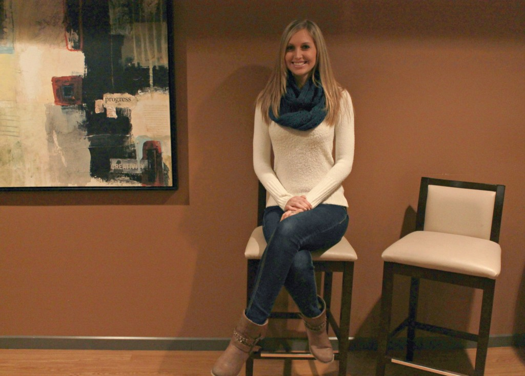Friend's style, cute style, stylish, fashion blogs, infinity scarf, holiday gift ideas, #shop