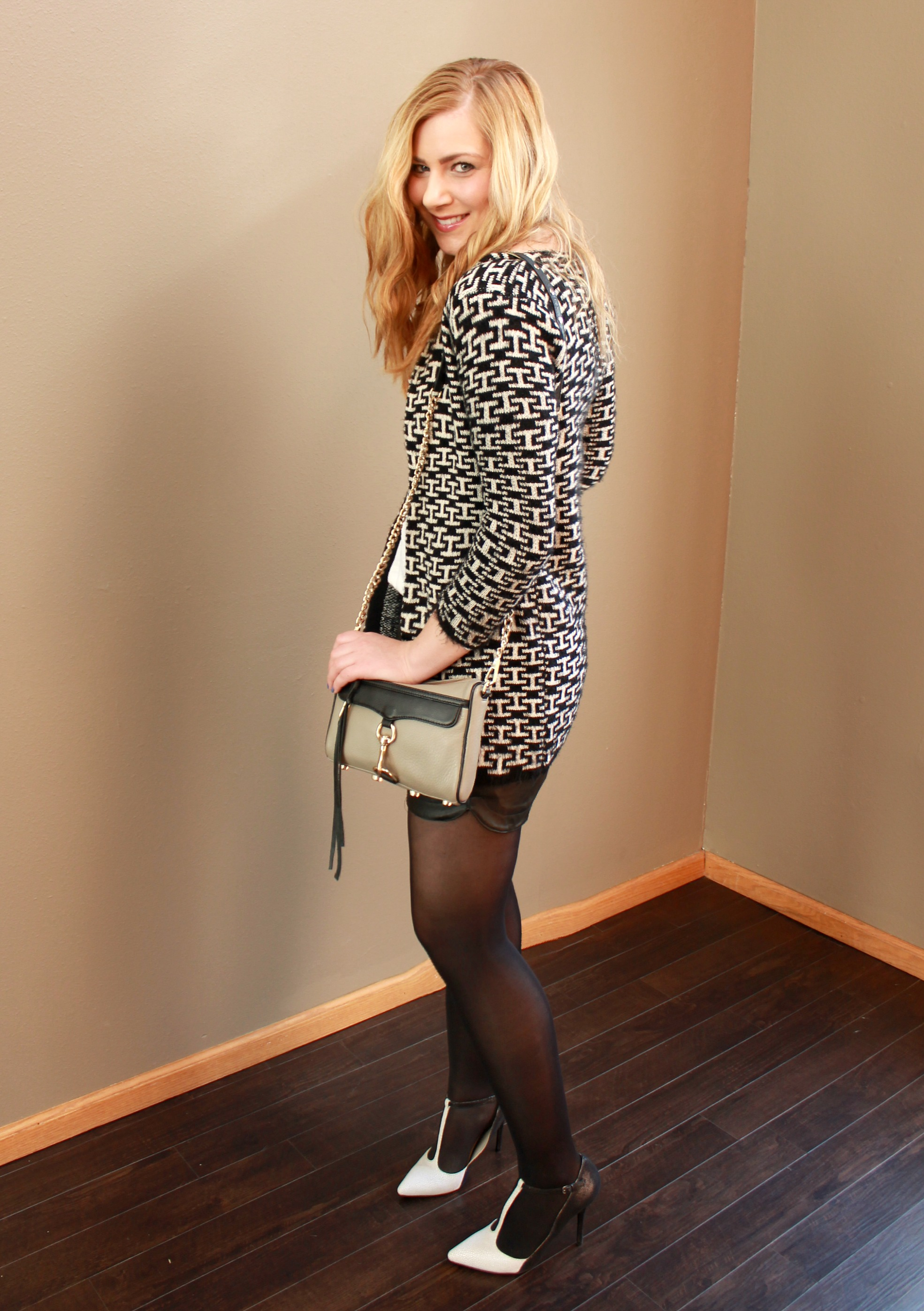 Patterned sweater + shorts and tights