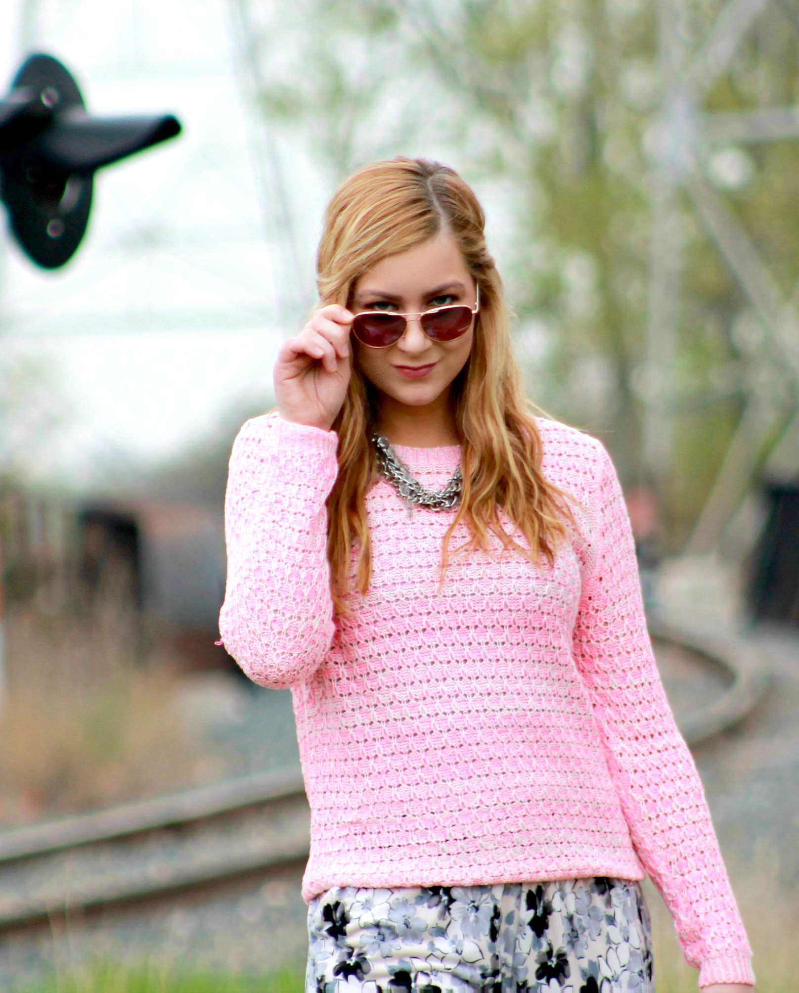 Pink-Sweater-+-Aviators
