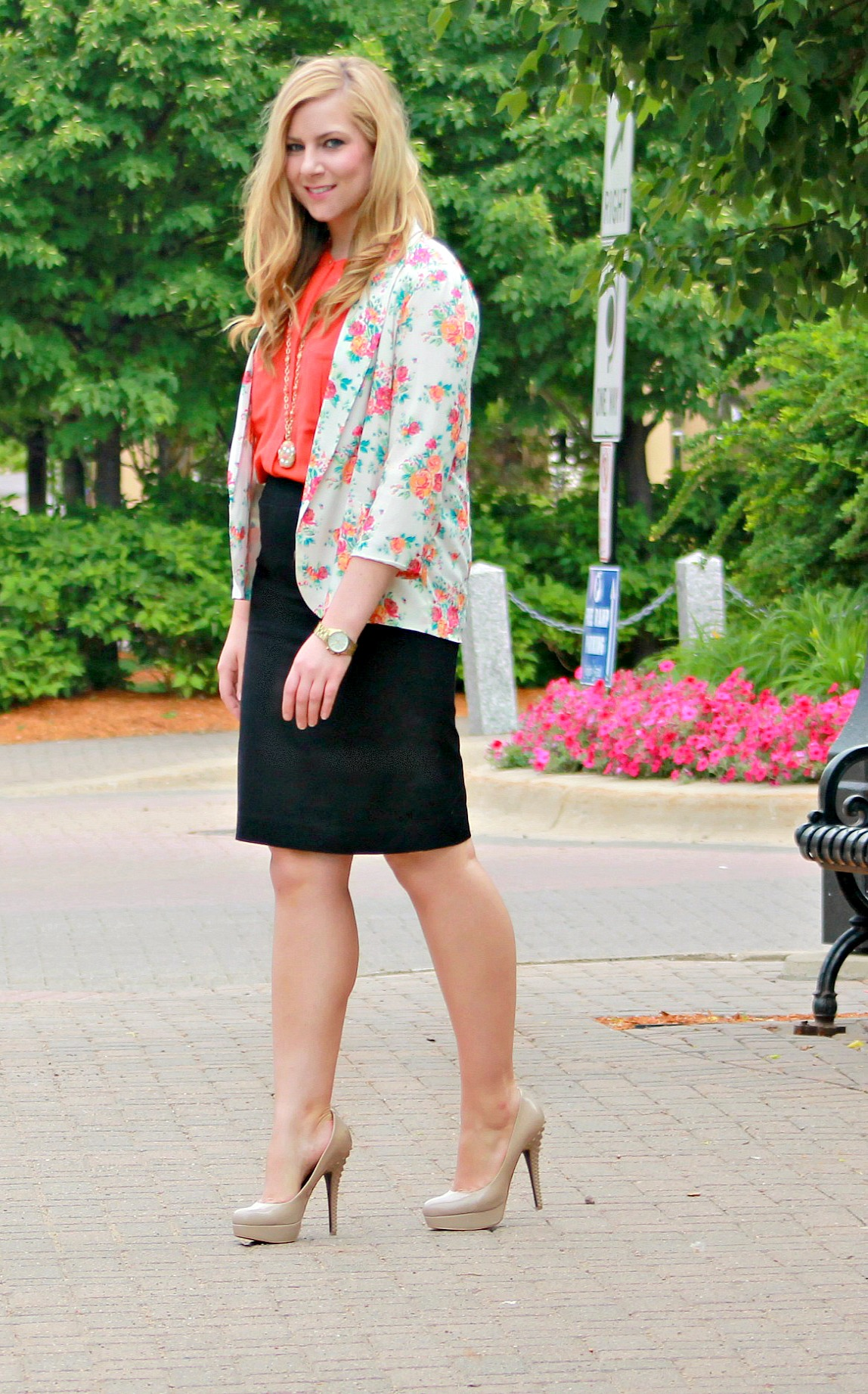 Floral-Blazer-+-Orange-Blouse-+-Heels
