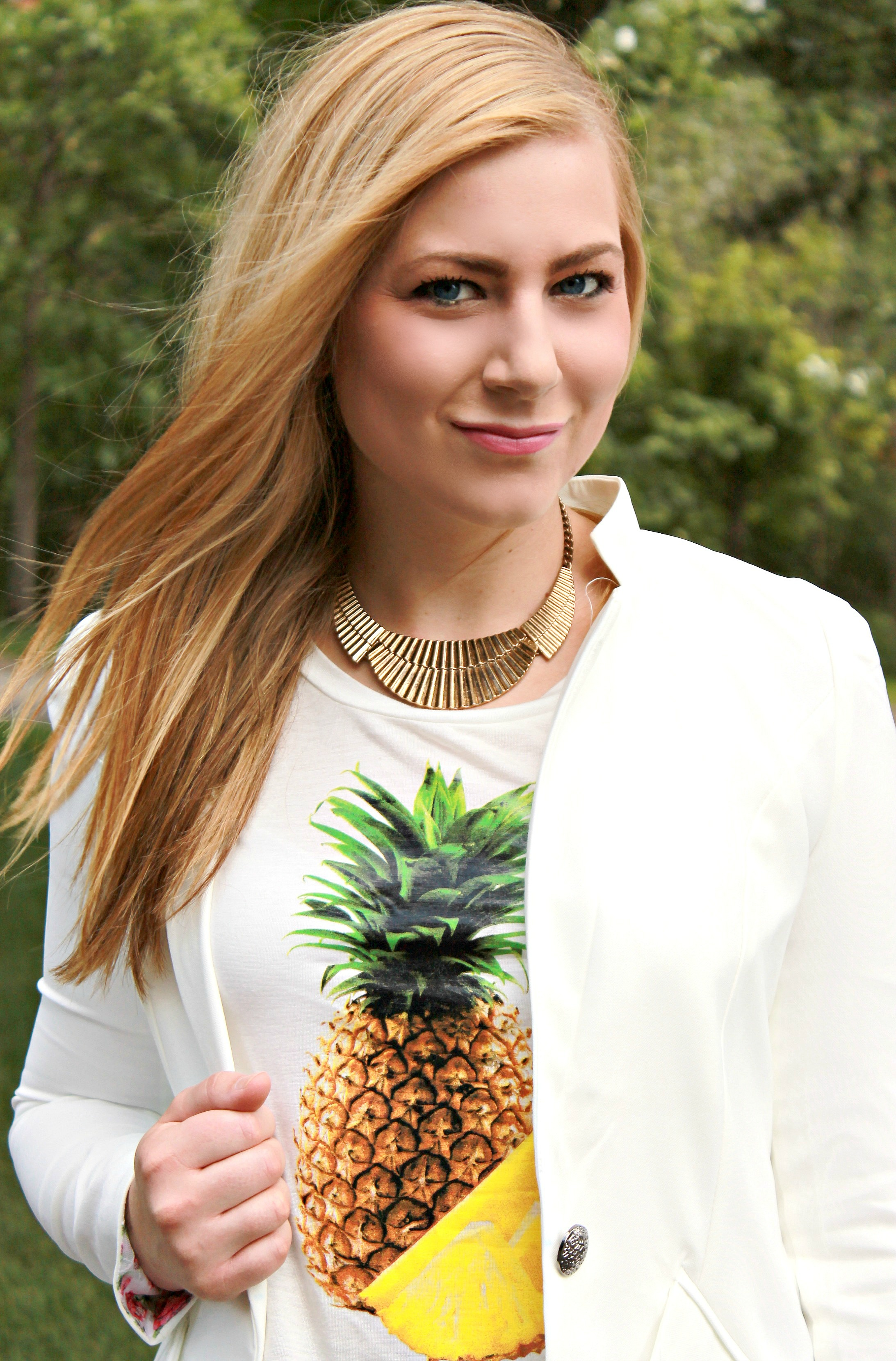 Pineapple top + white blazer