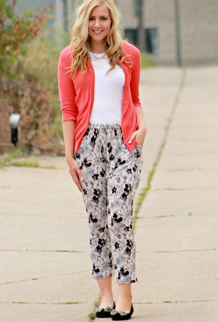 cardiang + tshirt + floral pants
