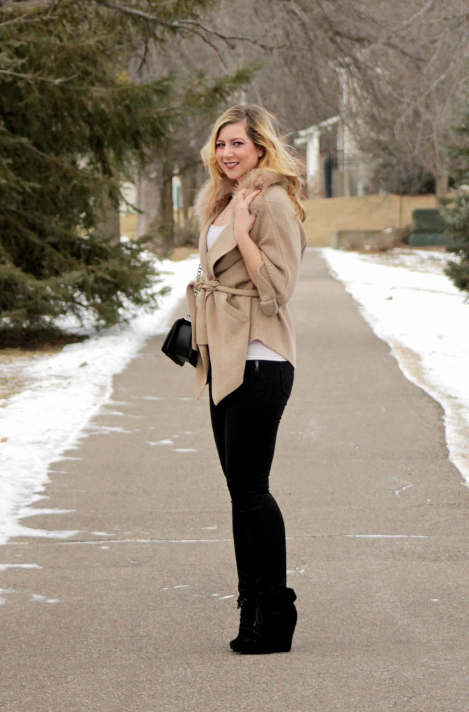 causal syle with black jeans and faux fur cardigan