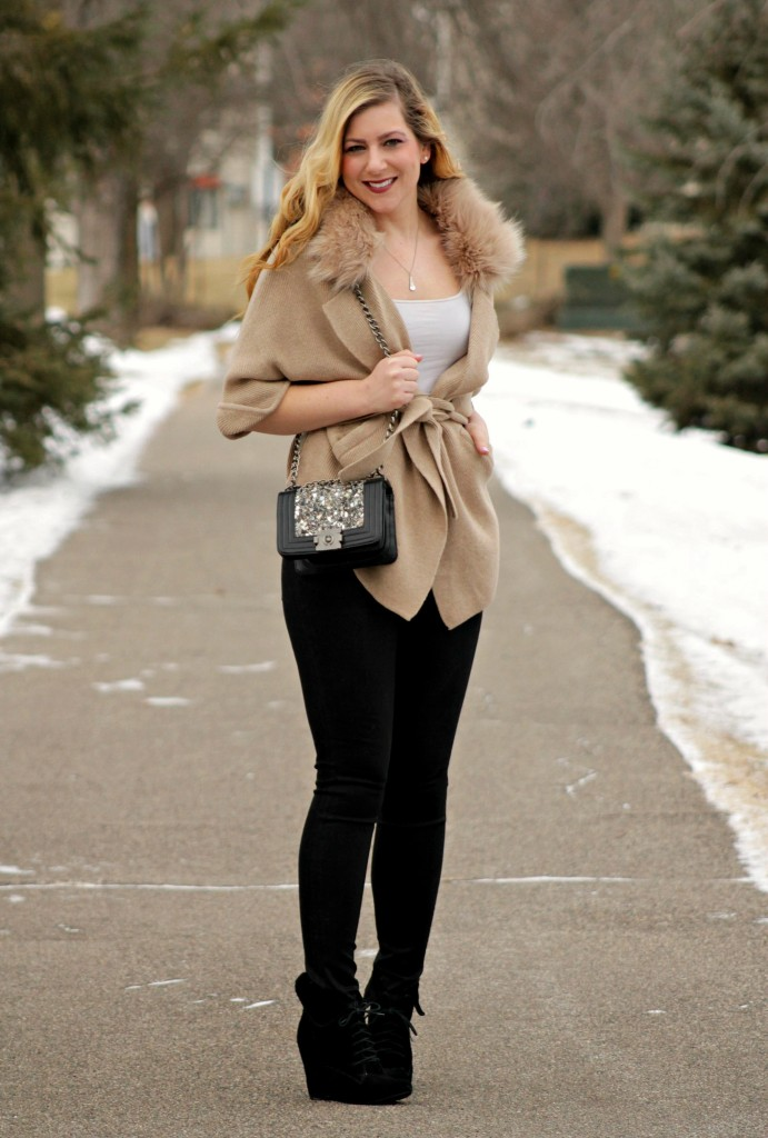faux fur collar cardigan, corssbody bag, black jeans & wedges