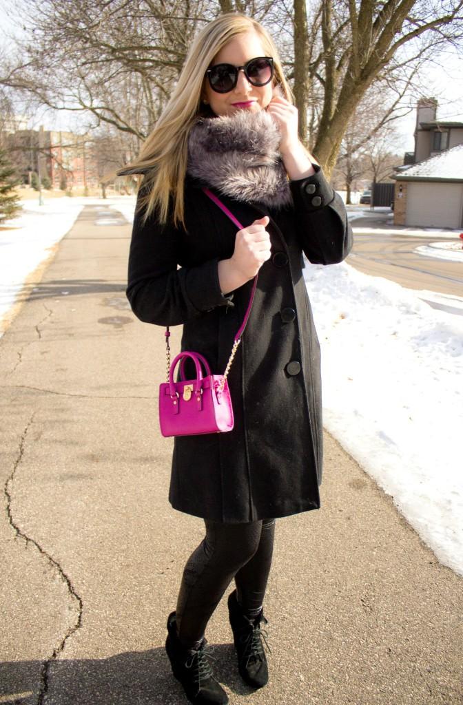 winter style faux fur collar, black coat, black leggings
