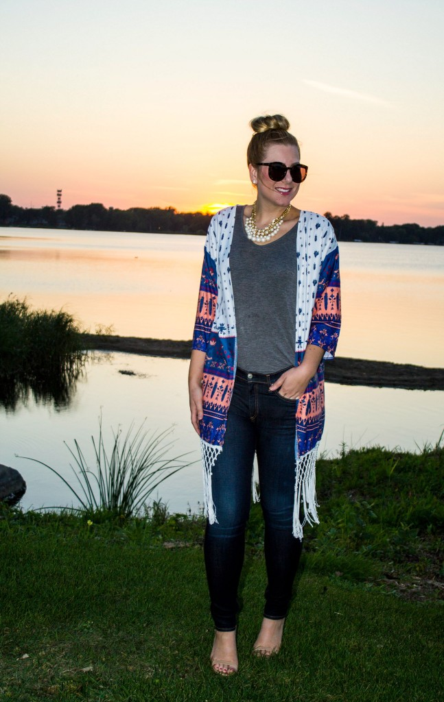 Long fringed kimono, skinny jeans + top knot
