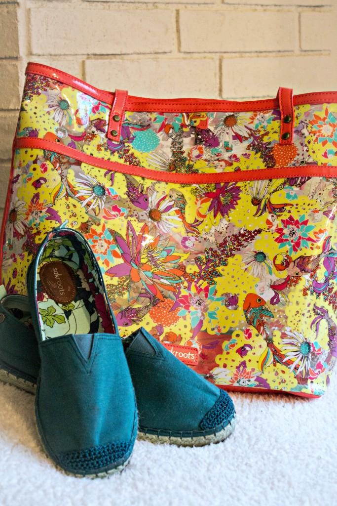 Sakroots beach bag and esperilldes