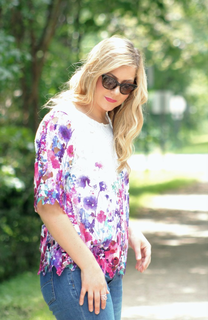 Cat eye sunglasses + flower top