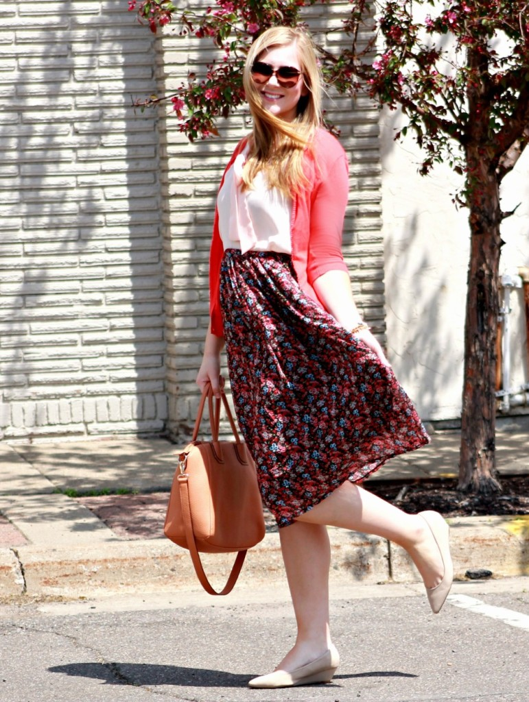 Floral-Print-Skirt-+-Bow-Tie-Top-+-Coral-Cardigan-1000x1329